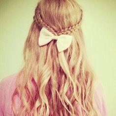 Haar / blond / strik / vlecht / hair / blonde / bow / braid