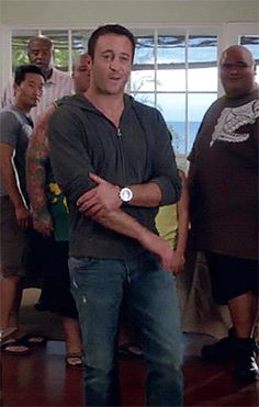 Gif of Blog an Intense study of Alex O'loughlin: 412-hoodie-8