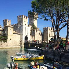 Sirmione is one of the most popular towns on Lake Garda.. It's easy to see why! - Instagram by globetrottergirls