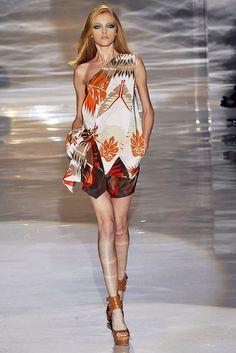 Gucci Spring 2009 Ready-to-Wear Fashion Show - Vlada Roslyakova