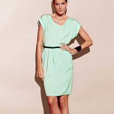 Vestido benize.es  http://www.benize.es/rebajas/mujer/vestidos/vestido-de-mujer-qualite-premium-214249-1NP-NP-nR040103.htm