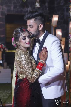 This Bride Aced The Saree Reception Look We Have Only Seen In Celebrity Weddings! Asian Bridal Dresses, Indian Bridal Outfits, Indian Fashion Dresses, Indian Bridal Fashion, Indian Bridal Photos, Couple Wedding Dress, Indian Wedding Couple Photography, Couple Photoshoot Poses, Indian Beauty Saree