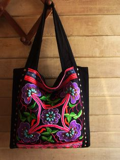Embroidery ethnic tote // flower motif // tribal // by realmlistic