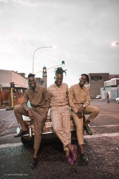 I See A Different You is a collective of Soweto born Creatives who sort out to change the world's view of Africa from the negative to the positive. As Africans our story has always been told by others. South African Design, Afro Men, Street Outfit, Classic Man, Beautiful Smile, Men Looks, Costume Design, Black And Brown, Photos