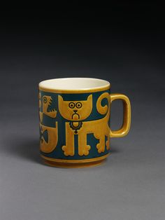 Cats mug 1969 (designed) 1974 (manufactured) Hornsea Pottery.You could buy seconds when you visited the pottery, I remember buying a cat mug second when I was a child. Hornsea Pottery, Pottery Mugs, Ceramic Pottery, Blue Pottery, Vintage Pottery, Vintage Ceramic, Vintage Tableware, Vintage Dishes, Vintage Dinnerware