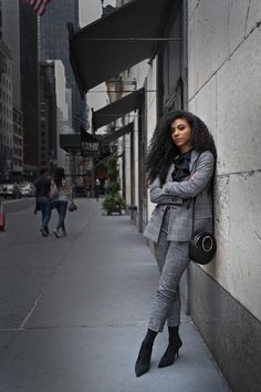 Hello grey suit and sock boots! Check out how we styled this chic, office-ready look. Black And Grey Outfits, Best Workwear, Gorgeous Women, Gorgeous Lady, White Collar, Work Wardrobe, Black Tote, Black Pumps, Fashion Advice