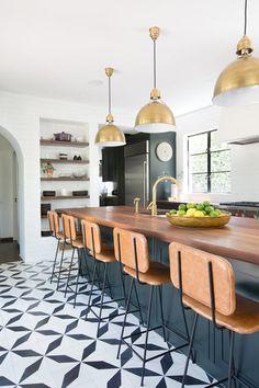 Spanish style homes – Mediterranean Home Decor Kitchen Redo, Home Decor Kitchen, Kitchen Interior, New Kitchen, Home Kitchens, Kitchen Dining, Brass Kitchen, Kitchen Ideas, Kitchen Layout