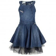 Denim dress with tulle All Jeans, Jeans Denim, Denim Fashion, Boho Fashion, Diy Clothes, Clothes For Women, Denim Ideas, Altered Couture, Tween Fashion