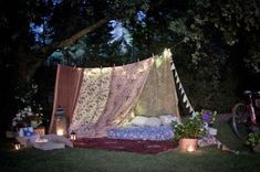12 idées pour fabriquer un tipi - Camping - Official Website for the HBO Series Backyard Camping, Camping Table, Tent Camping, Camping Ideas, Glamping, Camping Checklist, Family Camping, Backyard Fort, Camping Store