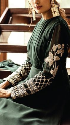 Bohemian style dress, vintage fashion dresses Source by mookyboutique fashion indian Source by tiffanyeginesshop outfits indian boho chic Fashion Details, Look Fashion, Hijab Fashion, Indian Fashion, Fashion Dresses, Fashion Design, Girl Fashion, Bohemian Style Dresses, Vintage Style Dresses