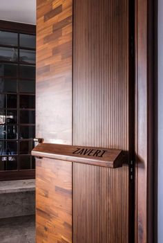 House Main Door Design, Main Entrance Door Design, Wooden Main Door Design, Door Design Interior, Entrance Doors, Modern Interior Design, House Design, Modern Entrance Door, Villa
