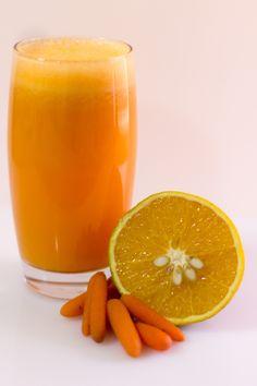 suco detox de laranja com cenoura - ótima dica para as segundas-feiras detox!