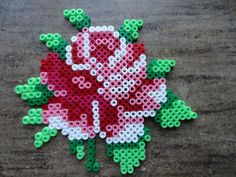 Það er tilvalið að nota HAMA perlu munstur í prjón og fl :-) Pearler Bead Patterns, Bead Loom Patterns, Perler Patterns, Beading Patterns, Flower Patterns, Perler Bead Designs, Perler Beads, Art Perle, Fusion Beads