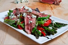 Black and Blue Steak Salad with Asparagus and Red Peppers  http://www.closetcooking.com/search/label/Salad