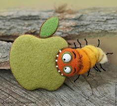 AppleГРЫЗ (брошь или магнит) - магнит на холодильник,магнит,Валяние,брошь