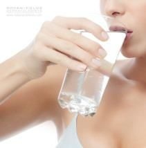 """Skip the Straw  Thirsty for beautiful skin? Just say """"no"""" to straws. Drinking from a straw causes wrinkles around your mouth over time. Drink directly from your glass for a more refreshed appearance. #RFSkintervention"""