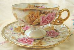 just lovely pattern.  I think I'm obsessed with tea cups and saucers.