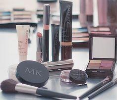 Makeup bag must-haves this season www.facebook.com/beautifulyoumarykay