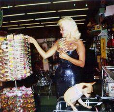 Jayne Mansfield at the Supermarket | Mimi Berlin