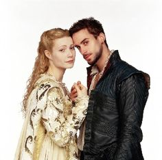 Love Gweneth Paltrow and Joseph Fiennes (he reminds me of my DAVE) in shakespeare in love...