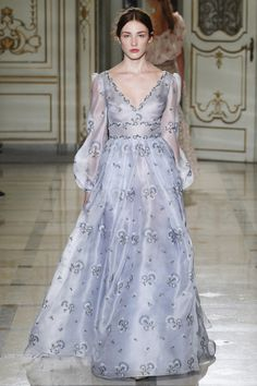 Simply Elegant Lilac Gown with a V Neckline and Long Sleeves by Luisa Beccaria Spring 2016 Ready-to-Wear Collection Photos - Vogue