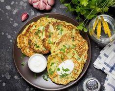 Olasz cukkinis lepényke ricottával Beignets, Vegetable Recipes, Ricotta, Eggs, Vegetables, Breakfast, Ramadan, Zucchini, Flat Cakes
