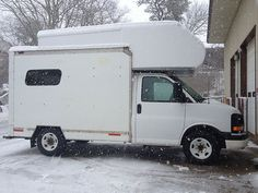 """This Girl Bought A Cheap UHaul Truck And Built Her Very Own """"Taj MaSmall"""" Motorhome - Tiny House for UsTiny House for Us"""