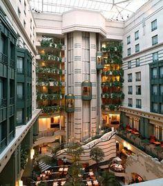 Radisson Blu is een 4 sterren hotel in hartje Brussel vlakbij het centraal-station geeft je een onvergetelijke ervaring in Brussel.