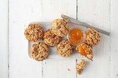Gevulde kwarkbollen - 24Kitchen Rudolph's Bakery, Tasty, Yummy Food, Smoothies, Muffin, Bread, Dinner, Baking, Healthy