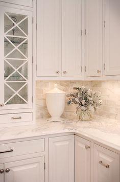 Nice 60 Luxury White Kitchen Cabinetry Ideas https://homeylife.com/60-luxury-white-kitchen-cabinetry-ideas/