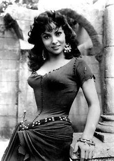 Gina Lollobrigida. Hot foreign movie star 50s-60s.