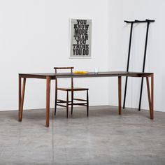 Decapo Table Miniforms is an elegant dining table characterized by a linear style and available in two versions: extendable or fixed. #table #diningroom