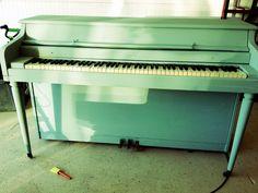 Annie Sloan Chalk Paint piano. 50% Paris Grey 50% Duck Egg Blue
