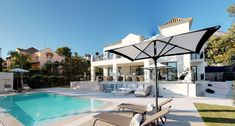 Stunning luxurious property in one of the most upmarket areas on the Costa del Sol, South of Spain. This most exquisite home has been finished to the highest standards with an open plan modern interiors and loads of small details for the extra comfort of it's new owners.