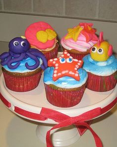 Ocean creature cupcakes! Perfect for Quinn's first bash.