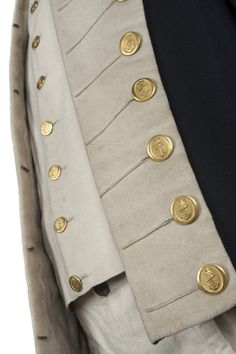 This uniform belonging to Lieutenant William Hicks is the only known surviving example of a Royal Navy lieutenant's uniform from the Napoleonic Era regulation pattern). Royal Navy Uniform, Historical Costume, Historical Clothing, Navy Uniforms, Military Uniforms, Hamilton Musical, Black Sails, Maritime Museum, American Revolution