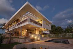 Mẫu nhà đẹp 2 tầng JPGN ở Brazil