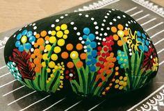 15 Ideas Painting Rocks Easy Flowers 15 Ideas Painting Rocks Easy Flowers 15 Id Rock Painting Patterns, Rock Painting Ideas Easy, Dot Art Painting, Rock Painting Designs, Mandala Painting, Pebble Painting, Pebble Art, Stone Painting, Painting Flowers