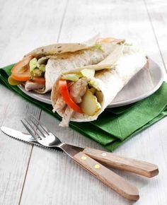 Wrap met roomkaas en kalkoen, NewFysic   Moeiteloos afslanken Sandwiches, Wraps, Mexican, Lunch, Ethnic Recipes, Food, Eat Lunch, Essen, Meals