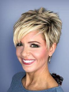 30 Cute Short Haircut Styles for Women - MyKingList.com