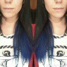 """Elettric shatush by Alex Style! Be original! ;-) Seguendo il desiderio della cliente di vedersi i capelli """"originali"""" e seguendo le tendenze della stagione... Alex Style ha eseguito uno shatush molto particolare dando un tocco di elettricità!  #shatush #elettric #blu #capelli #hair #hairstylist #parrucchiere #acconciatore #hairstyle #haircolors #beoriginal #followme #seguimi #testa #originality #salonedibellezza #blog #staytuned #colore #look #beauty #bellezza"""