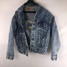 362cb51281e66 Levi s hand frayed denim jacket. Size large. Distressed Can - Depop Denim  Jackets