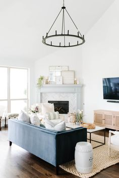 Update your home with these simple tips that are affordable! #ABlissfulNrest #livingroomdecor #livingroomdesign Elegant Home Decor, Elegant Homes, Twin Bed Furniture, Plywood Furniture, Modern Furniture, Furniture Design, Living Room Designs, Living Room Decor, Living Rooms
