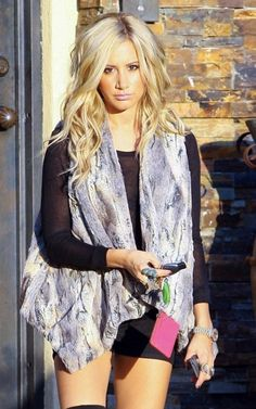 She makes me so mad. I want dark roots with blonde hair like this. She can make it look so pretty