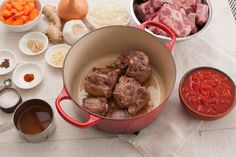 Oxtails are one of the most flavorful beef cuts. Long braising of oxtails makes the meat fall off the bones. Oxtail Meat, Oxtail Soup, Oxtail Recipes, Curry Recipes, Osso Bucco Beef, Cooking Oxtails, South African Recipes, Ethnic Recipes, Salted Caramel Fudge