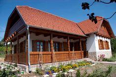 Szentendre - tervező: Mérmű Építész Stúdió House In The Woods, Traditional House, Sweet Home, Farmhouse, House Design, Country, House Styles, Folklore, Cottages