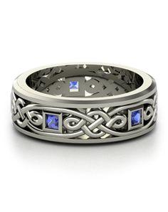 Gorgeous Celtic knot ring SHINY!