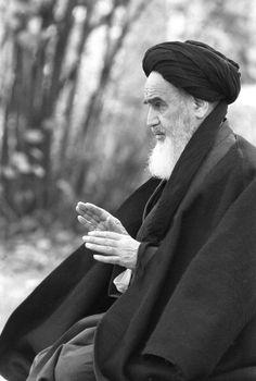 Grand Ayatollah Sayyid Ruhollah Mūsavi Khomeini (PBUH).