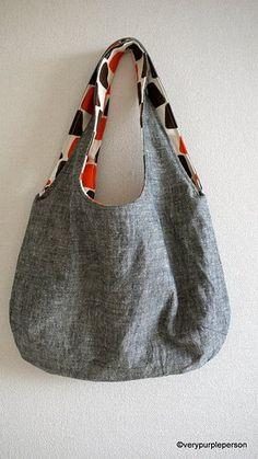 Making reversible bag - tutorial 20 free bag making tutorials! Sewing Hacks, Sewing Tutorials, Sewing Projects, Sewing Patterns, Free Tutorials, Purse Pattern Sewing, Hobo Bag Tutorials, Tutorial Sewing, Sewing Ideas
