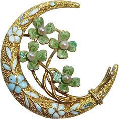 A delightful antique honeymoon* pin beautifully made in yellow gold and enamel and accented with cultured pearls. The domed crescent moon is Moon Jewelry, Jewelry Art, Jewelry Design, Fashion Jewelry, Edwardian Jewelry, Antique Jewelry, Vintage Jewelry, Gemstone Brooch, Bijoux Art Nouveau